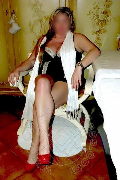 Mony Muzzioli  PRATO 3883215139